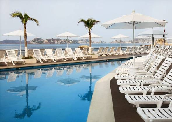 Swimming pool, childrens pool and beach calinda beach acapulco hotel